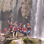 14 - foto bersama tim rafting (2)