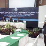 2 - Drs Sapir S.Sos., M.Si memimpin doa